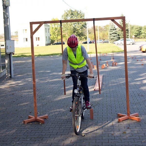 Bramka wisząca - rowerowy tor przeszkód