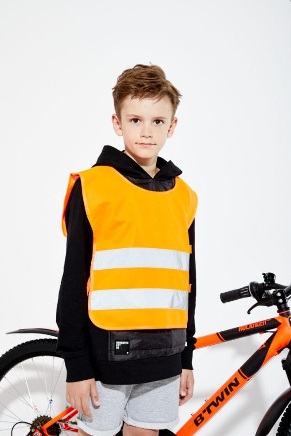 pomarańczowa kamizelka odblaskowa dla dzieci UU203KID - zdjęcie sesja